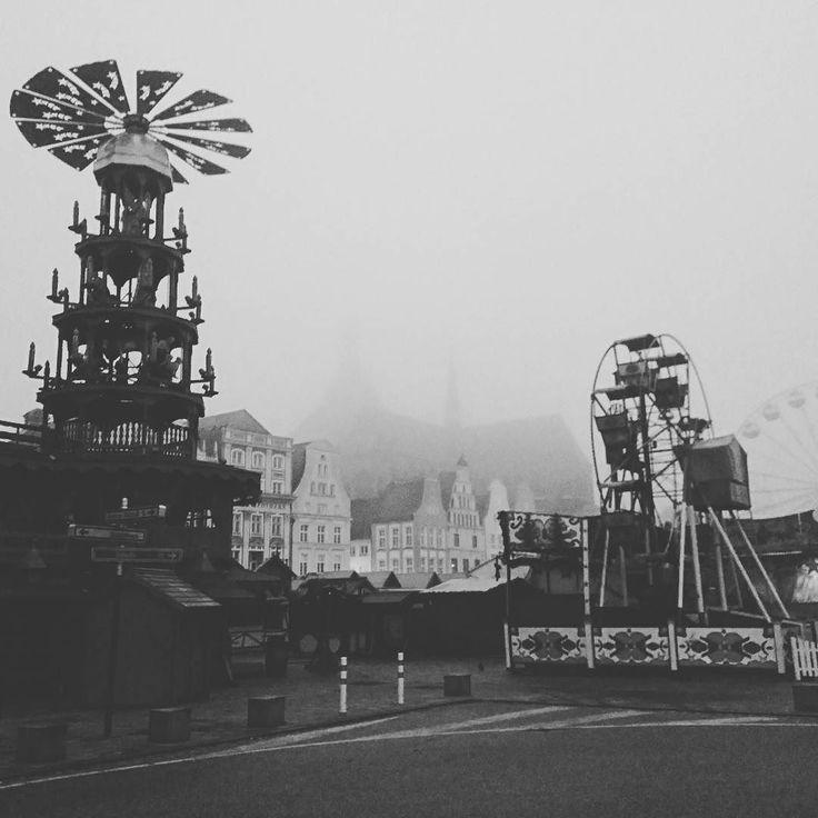 Heute noch in Stille! Ab Montag dann Lichter Musik und verführerischer Duft! #Vorfreude #Weihnachtsmarkt #Rostock #MV