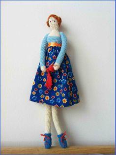 Mijn eigen plekkie: Mag ik even Uw aandacht?;-) #crochet #doll #tilda