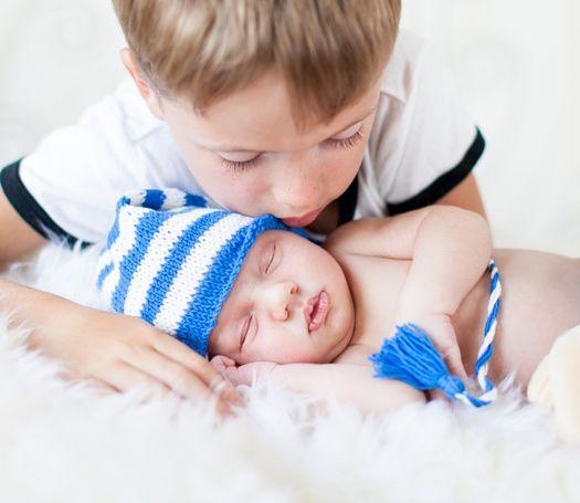 Νεογέννητο. Πως καλωσορίζει το νεογέννητο το μεγαλύτερο παιδί.