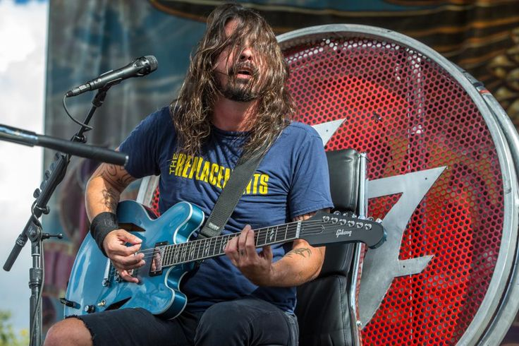 Foo Fighters Cancel Tour Dates in Wake of Paris Attacks