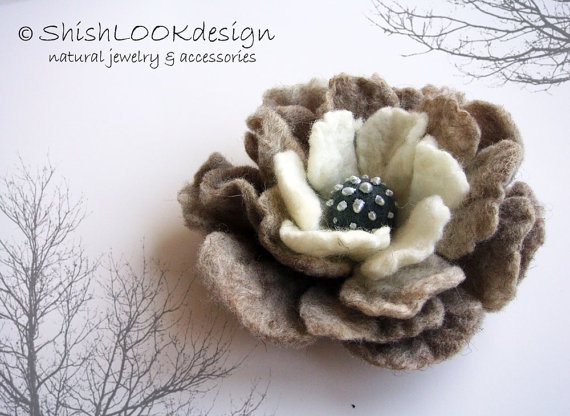 Pretty felted flower pin.