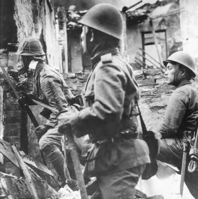 japanese marines in heavy street fighting