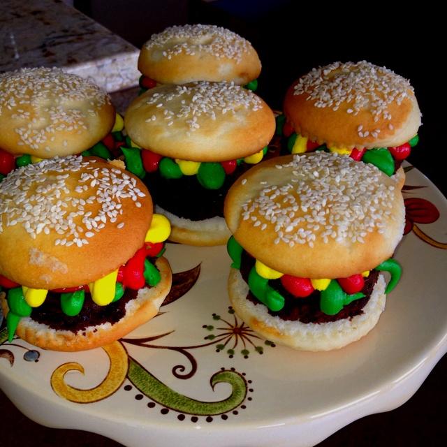 "Juicy Lucy"" Burger Cupcakes Recipe — Dishmaps"