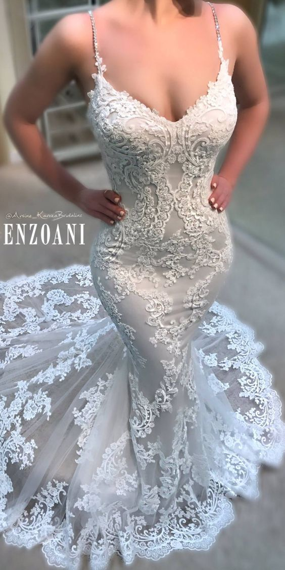 When the details of @Enzoani become absolutely clear that this is the dress of your dreams!