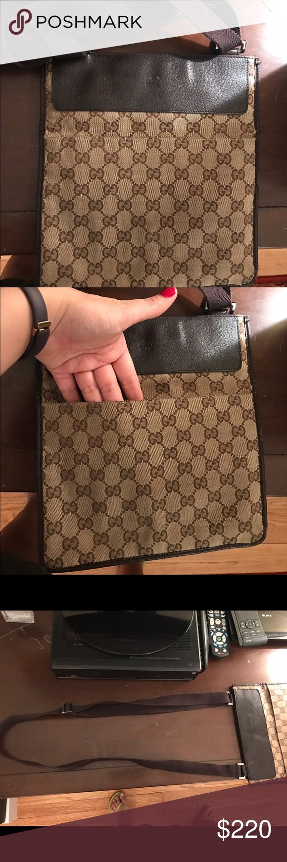 Authentic Gucci Messenger bag Preowned but in excellent condition. Adjustable strap. Gucci Bags Crossbody Bags