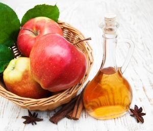 Cómo usar el vinagre de manzana en el pelo