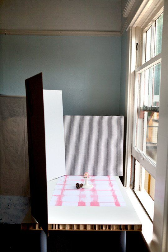 Setting Up a Photo Studio on the Cheap Super Photo Magic School | Apartment Therapy