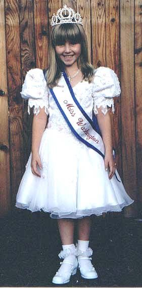 boy wearing a pageant dress | Boys Wearing Pageant Dresses