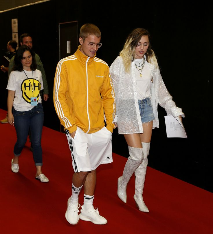 MANCHESTER, ENGLAND - JUNE 04: Justin Bieber and Miley Cyrus during the One Love Manchester concert at Old Trafford Cricket Ground Cricket Club on June 4, 2017 in Manchester, England. (Photo by Matthew McNulty/Getty Images) via @AOL_Lifestyle Read more: https://www.aol.com/article/entertainment/2017/06/05/one-love-manchester-miley-justin-behind-the-scenes/22126699/?a_dgi=aolshare_pinterest#fullscreen