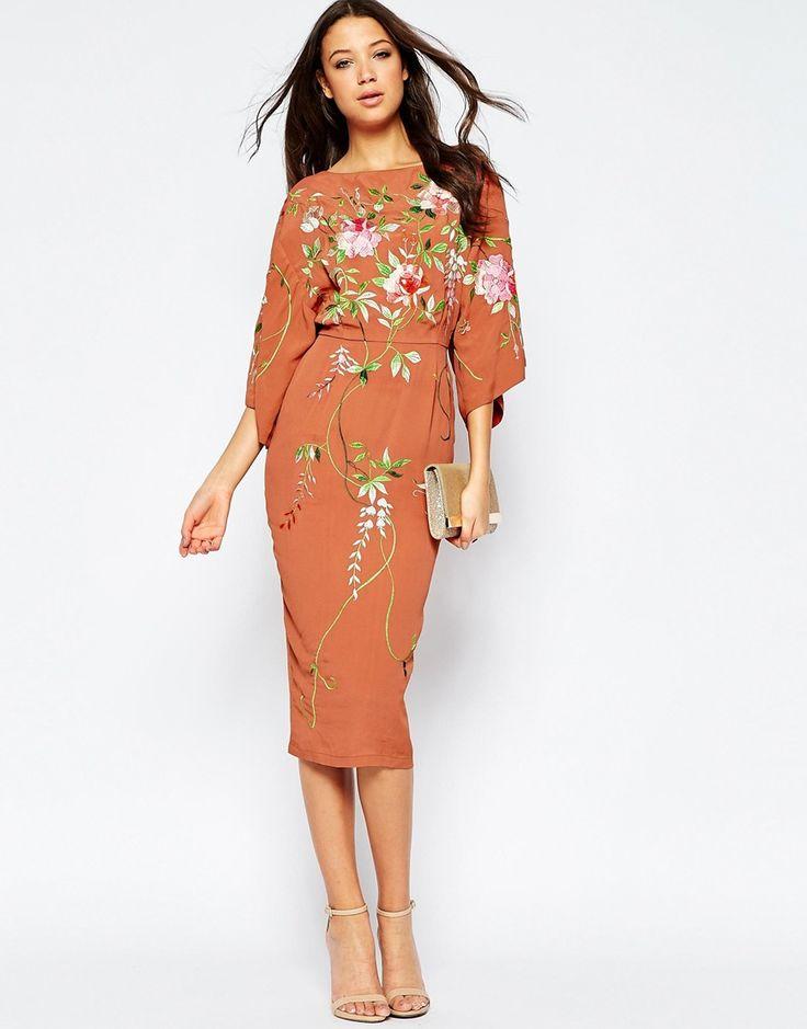 Imagen 4 de Vestido estilo kimono a media pierna con bordados de ASOS TALL