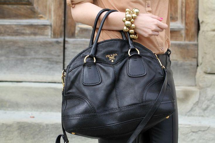 prada black bag!   fashion blogger, fashion blog Irene's closet www.ireneccloset.com