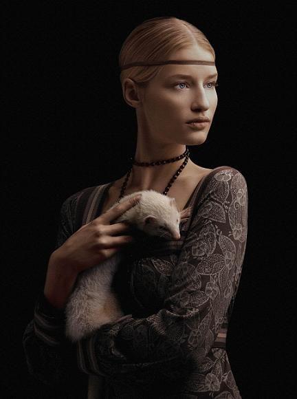 "Based on ""Lady with an Ermine"" by Leonardo da Vinci"