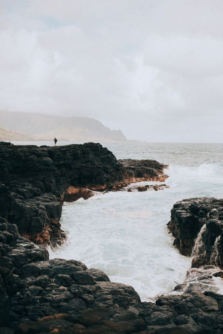 11 Adventurous Things To Do In Kauai, Hawaii - Need some ideas and activities to do around the Garden Isle? Look no further because this post lists the best places to see, things to do, and spots to eat! TheMandagies.com (Includes the Na Pali Coast, Kalalau Trail, Queen's Bath, Kalepa Ridge, Poipu, Waimea Canyon and so much more!