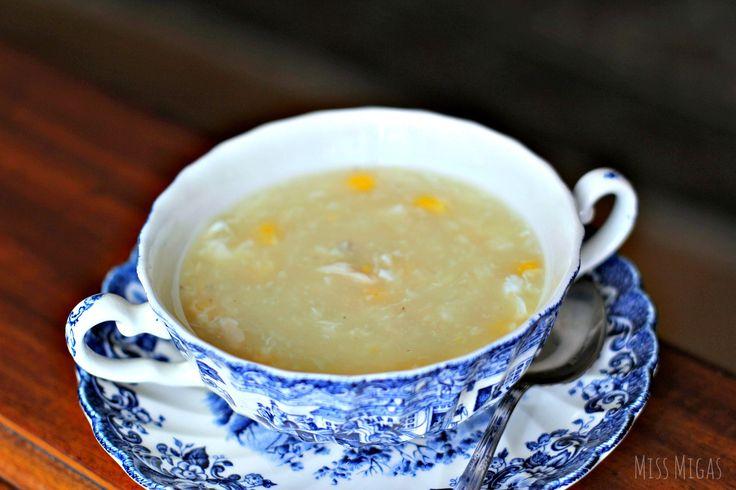 Hoy traigo esta sopa china de pollo y maíz. En estos meses de invierno, no hay nada más tentador que los platos de cuchara.