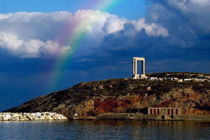 Naxos, the island with apollo's temple