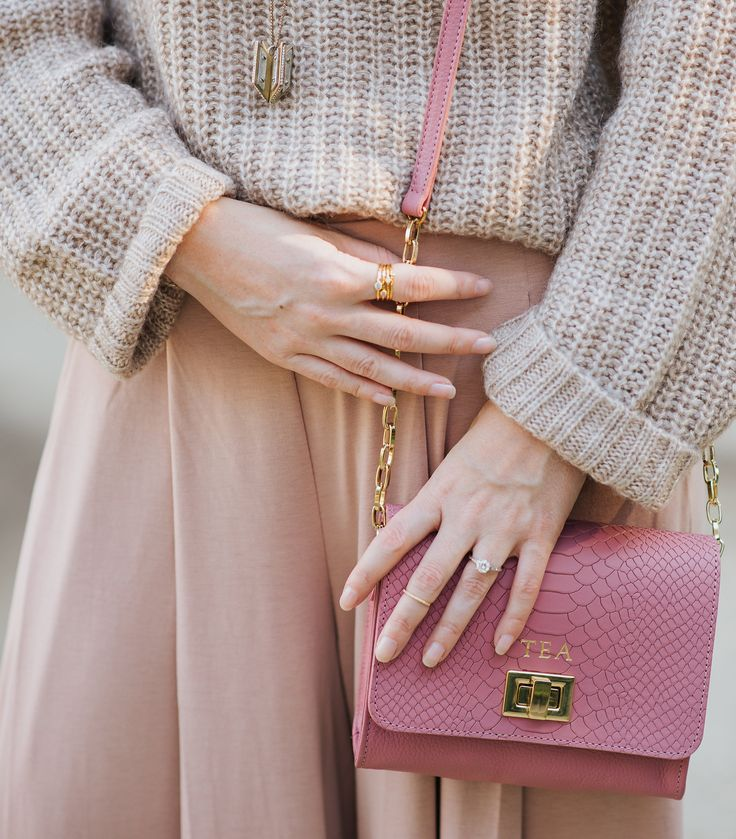 How to Style Neutral Colors: Blush and Beige Gigi New York Catie Bag