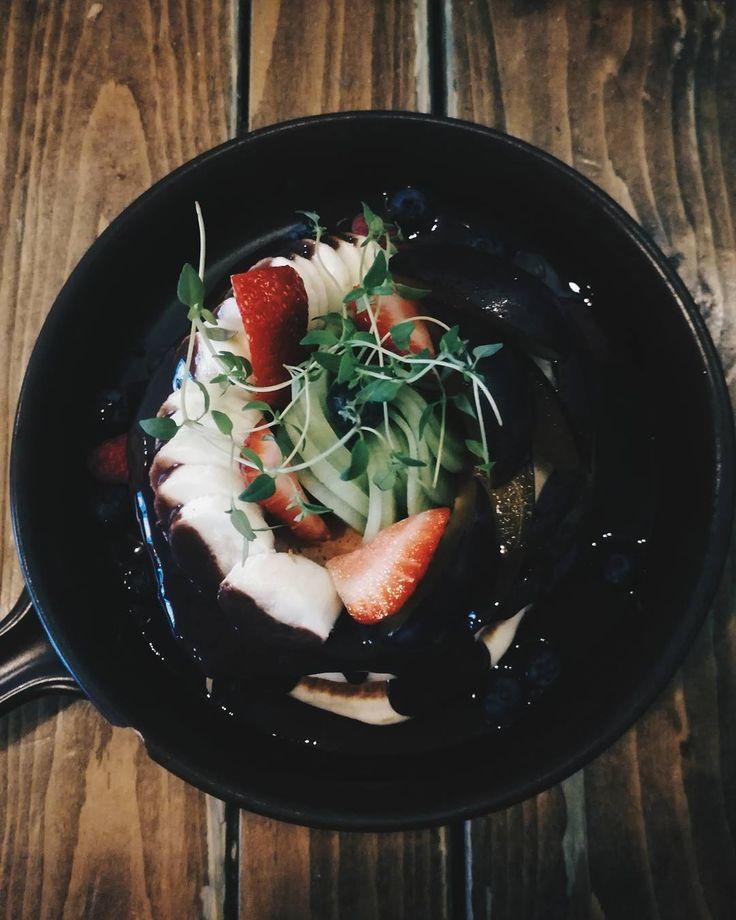 #food #foodporn #pancakes #strawberry #banana #fruits #chocolate #sweet