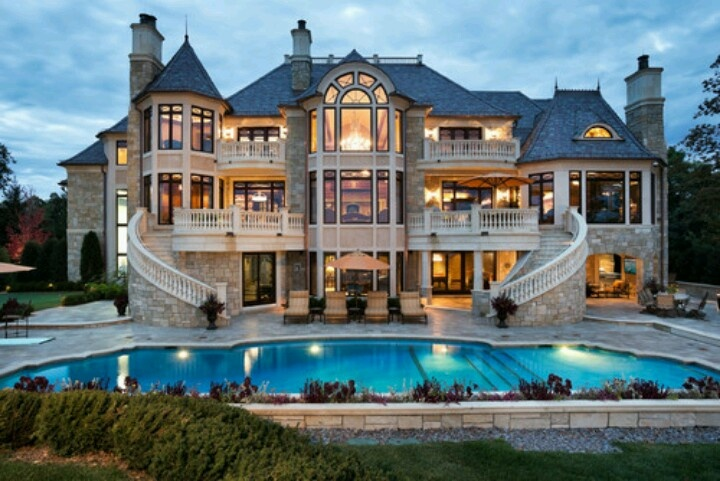 So its my dream to have a huge house like this.