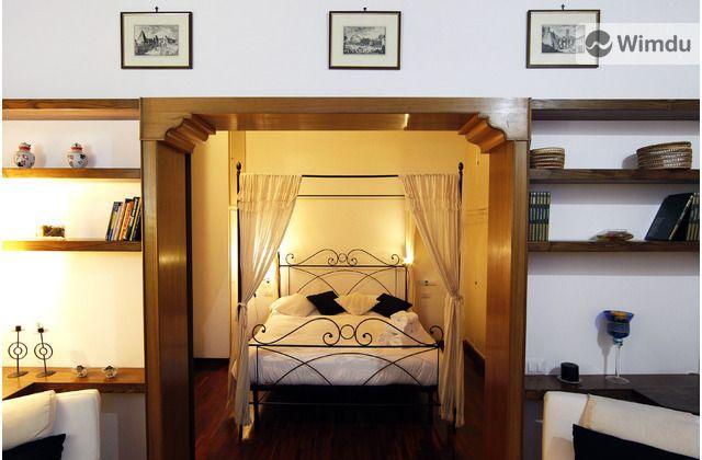 Short-term apartment rental in Rome
