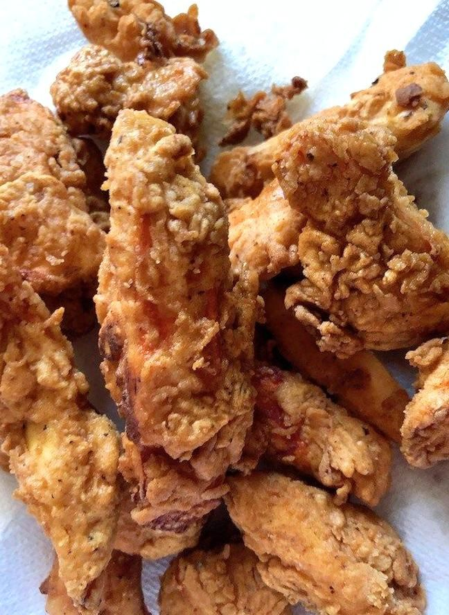 Battered And Fried Chicken Of The Woods Mushrooms Is Classic Crunchy Fried Using The Fantastic Chic In 2020 Vegan Fried Chicken Vegitarian Recipes Chicken Of The Woods