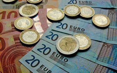 oferty-kredytowe.pl: Czy przy niskim kursie euro warto przewalutować kr...