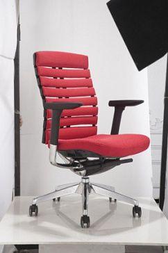 Многофункциональное кресло , спинка повышенной эргономичности, с отверстиями для венитилляции, объеденённая каркасная структура обеспечивает небольшую регулировку пластин спинки, пазволяя повторить форму спины сидящего, сиденье с регулировкой по высоте и углу наклона, с механизмом выдвижения