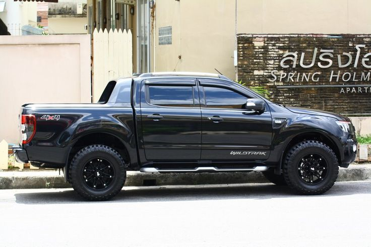 Ford Ranger WildTrak + custom wheels/tyres