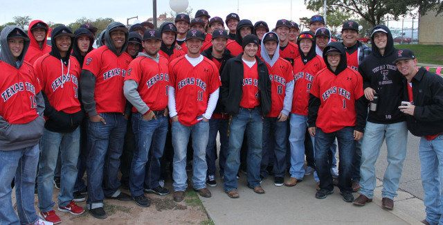 Texas Tech Baseball Participates in Race for the Cure - Texas Tech Red Raiders Official Athletic Site