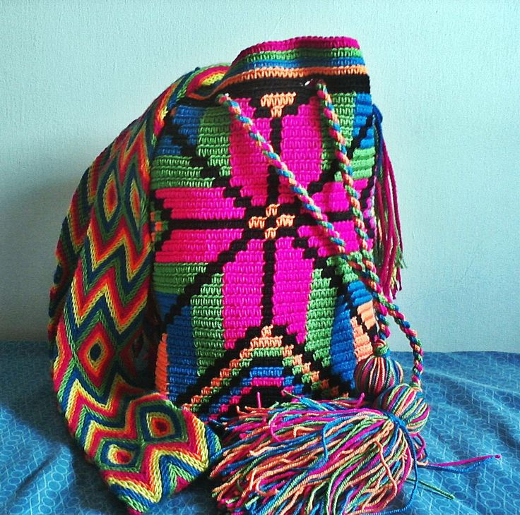 Hilo Guajiro.  Tira Wayuu.  22 x 25 cms