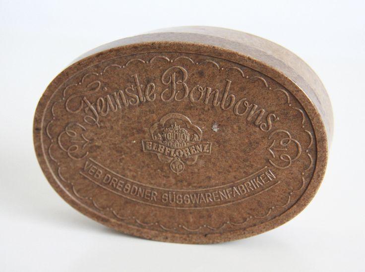 Vintage candy box #vintageclothing #vintage #antique #vintagebox you can buy on http://www.salonmody.cz/en/miscellaneous/8-krabicka-na-bonbony.html
