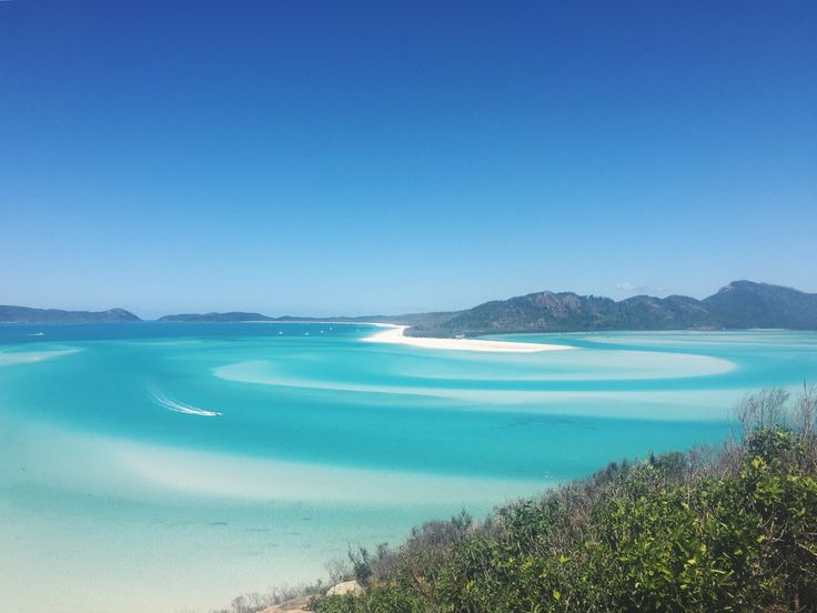 Who to sail with on the Whitsunday Islands??? Check out my review of sailing with Avatar... I'm sure it'll help you make your mind up! #Travel #Australia #Whitsundays #WhitsundayIslands #Whitehavenbeach #eastcoast