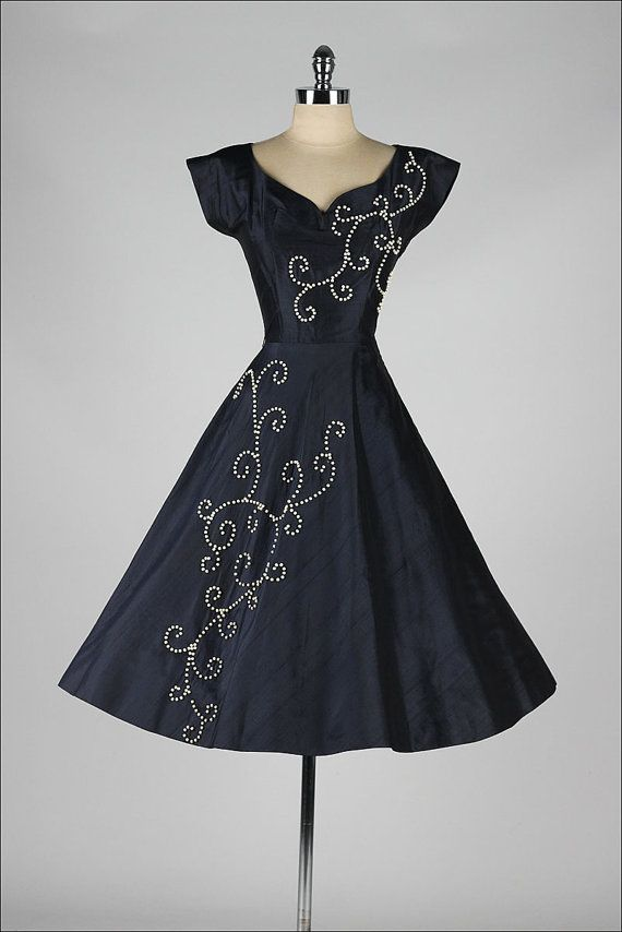 vintage 1950s dress . blue silk . wood beads by millstreetvintage
