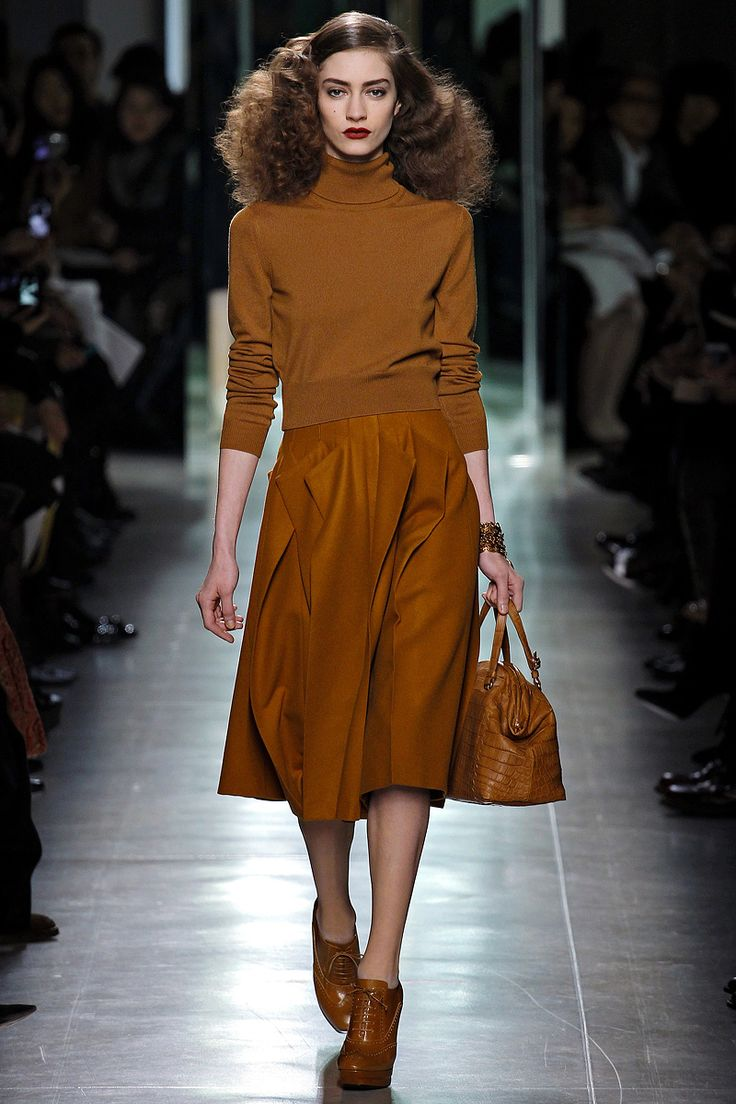 Sweaters and Skirts, Bottega Veneta fall 2014, the neutral color and matching top and bottom with below the knee a line skirt similar silhouette of the 70's