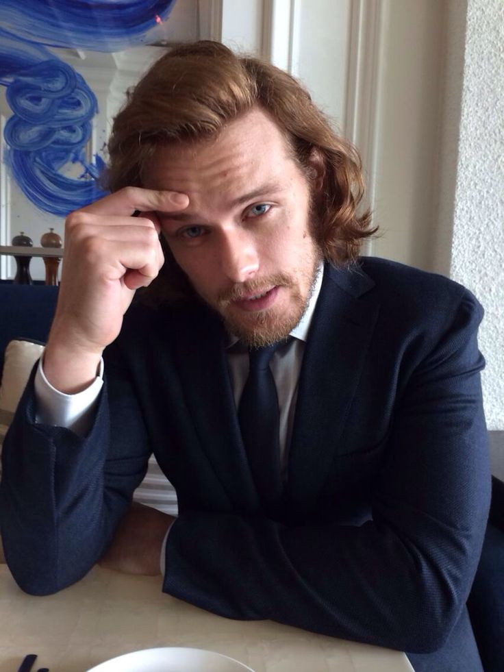@YahooTV: .@SamHeughan from #Outlander looking dapper in blue. #TCA15