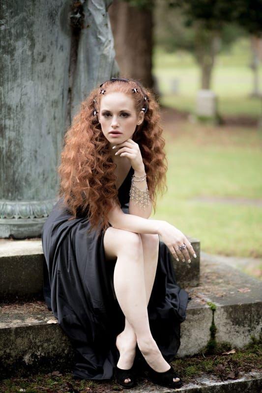 Madelaine Petschs Legs  Beautiful Red Hair, Beautiful -3149