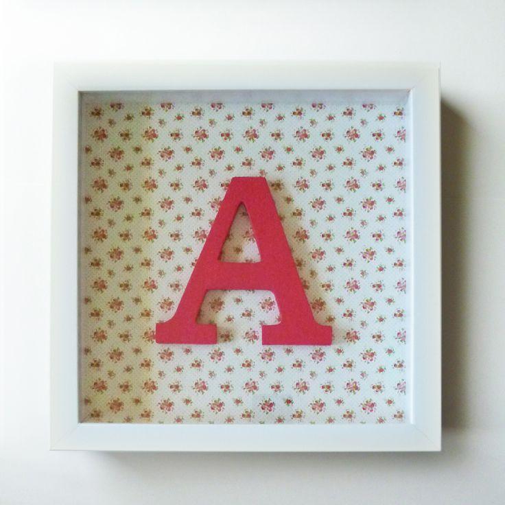 Este A de Alice ficou muito romântico. Encomende um quadro personalizado como este e dê aquele toque que faltava lá em casa. É também um presente amoroso. Preço: 17,50 €.