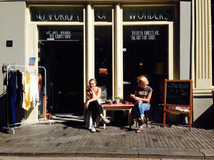 vintage, art & coffee