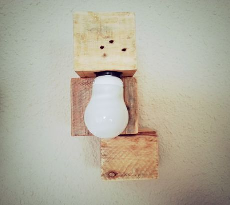 9 best l mparas mind made images on pinterest hu ge recycled materials and wooden lamp - Lamparas con palets ...