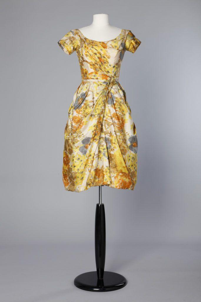 Robe 1950 en soie Ikat à motifs de fleurs aux couleurs d'automne
