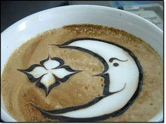 Moon and Stars Coffee Art Design // Creative 3D Coffee Latte Art Pictures, Images & Designs