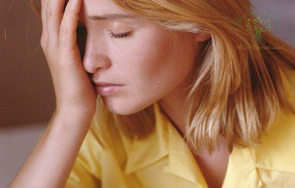 ЗВОН, ШУМ И СВИСТ В ГОЛОВЕ Шум в голове может быть вызван различными причинами. Проблемы в работе эндокринной системы – одна из таких причин. Обратите внимание на работу щитовидной железы. Подпитайте ее йодом. Очень часто этого бывает достаточно. Йода много в морской капусте, например. Еще одна причина, которая вызывает звон и шум в голове – это склероз сосудов в мозге. Сосуды сужены, отсюда и свист. Для лечения и профилактики народная медицина советует выпить в первое утро, на пустой…