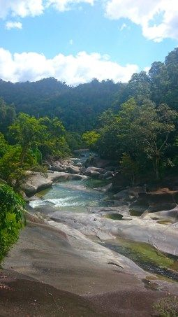 FREE CAMPING HERE - about 1 hour south of Cairns at Babinda Boulders