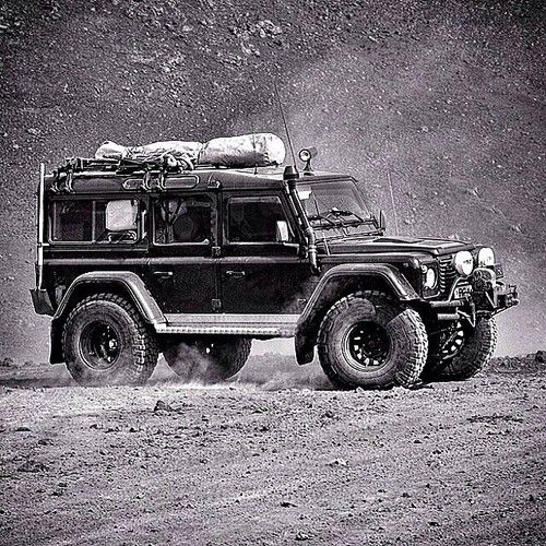 Land Rover Defender Blog, transportation, off roader, wheels, beauty, photograph, photo b/w.