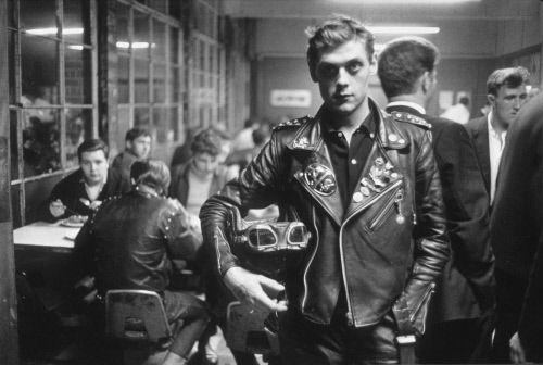 Rockers in the Ace Cafe, UK, 1964. ©Frank Monaco