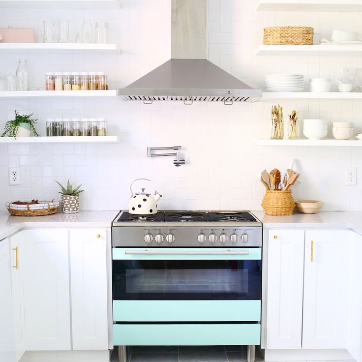 10 organizing tips for your kitchen space.