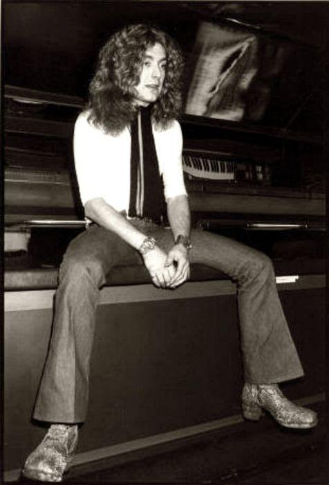 Robert Plant of Led Zeppelin  RobertPlant  LedZeppelin  LedZep  Zep