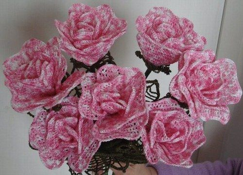 faire un bouquet de fleurs au crochet. Black Bedroom Furniture Sets. Home Design Ideas