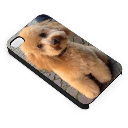 Ed ecco anche il barboncino su una cover per cellulare!