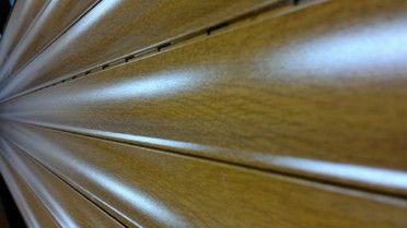Rolety zewnętrzne aluminiowe sprawiają, że nawet w najbardziej słoneczne i gorące dni, w naszym mieszkaniu panować będzie przyjemna temperatura. Dzieje się tak dzięki specjalnej piance wtłoczonej wewnątrz aluminiowych profili rolety. Po więcej informacji zapraszamy na naszą stronę http://www.wolny.org.pl/Rolety-lodz/Rolety-zewnetrzne.html