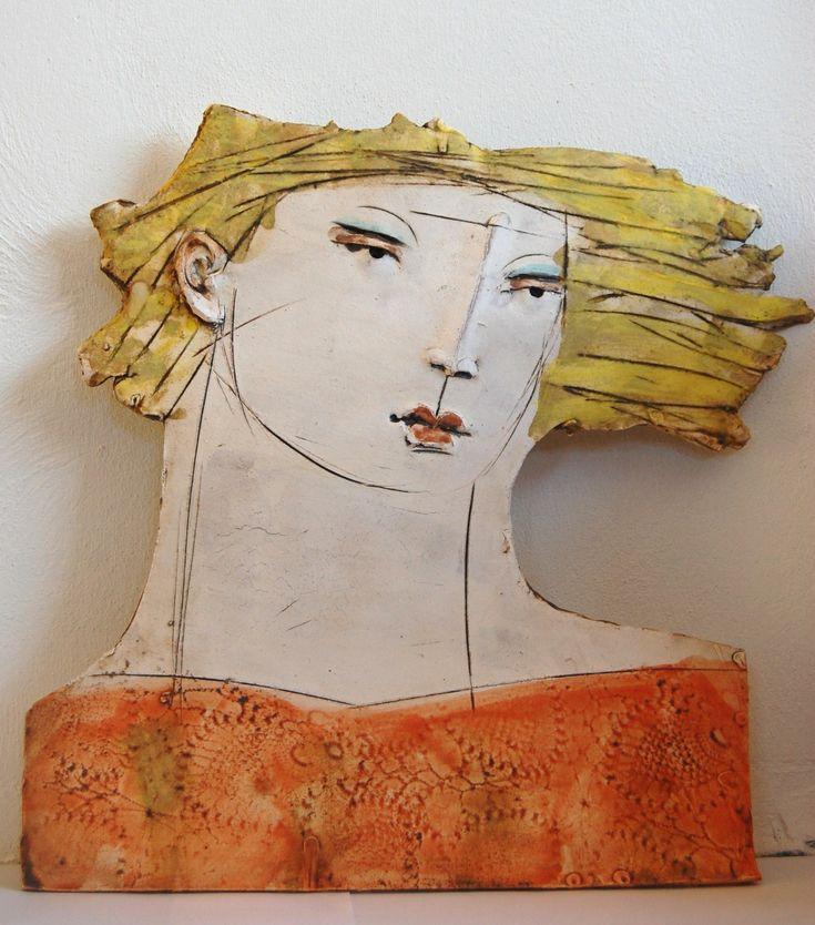 Flat female head (orange)